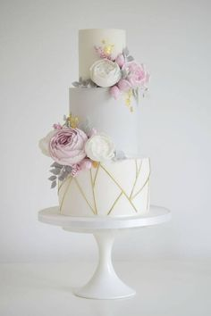 95 beautiful pastel wedding decor ideas for spring - dreamy wedding cakes photo shoot decoration ideas The Effective Pictures We Offer You About spring wedding cake coral A Pastel Wedding Cakes, Wedding Cakes With Flowers, Beautiful Wedding Cakes, Gorgeous Cakes, Pretty Cakes, Elegant Wedding, Wedding Cake Gold, Colourful Wedding Cake, Pink And Grey Wedding Cake