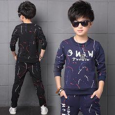 Stylish Little Girls, Little Boy Outfits, Kids Outfits, Male Fashion, Kids Fashion, Winter Fashion, Baby Boy Clothing Sets, 15 Years, Fashion Prints
