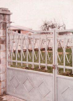puerta de dos hojas en acero galvanizado http://www.tallereslobon.com/