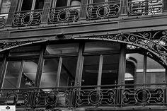 #momentintime #blackandwhite #blackandwhitephotography #windows #metal #shapes #shadowsandlight ##photography #photographer #myphotography #myphotos #imaphotographer #SPPHOTOGRAPHYNYC http://tipsrazzi.com/ipost/1507048400968100503/?code=BTqHIk3BiqX