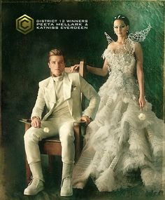 Jennifer Lawrence Twitter: Posts Message Inspired by 'Hunger Games' Capitol Couture Blog? Movie Presents New Fashion [PHOTOS] : Fashion : Beauty World News