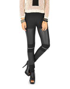 Ardene: Legging cuir et zip: $17.50 Trend: Punk Description:  Tombe amoureuse d'une des tendances les plus chics de la saison : le cuir! Obtiens un look mode avec ces magnifiques leggings dôtés de faux-cuir et de fermetures à glissière au niveau du genou.  Ajusté. Design extensible. Taille élastique. Accent de cuir sur le devant. Fermeture à glissière sur les genoux. Polyester/Spandex.