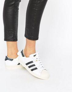 adidas Originals - Superstar - Scarpe da ginnastica unisex bianche e nere  con stampa effetto pelle 4b93b0955af