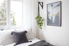 8 Efficient Cool Tips: Master Bedroom Remodel Crown Moldings small bedroom remodel the doors. Ikea Shelf Brackets, Ikea Shelves, Ikea Plants, Indoor Plants, Diy Hanging Planter, Diy Plant Stand, Plant Stands, The Doors, Apartments Decorating