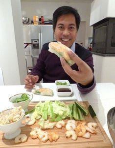 FERSKE VÅRRULLER MED HOISINSAUS (CHRISTIANS HOT & GODT) Asian Recipes, Ethnic Recipes, Fabulous Foods, Christians, Food Porn, Food And Drink, Snacks, Eat, Board