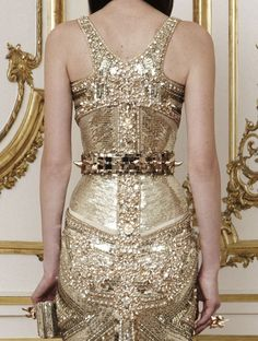 lamorbidezza:  Givenchy Haute Couture Fall 2010