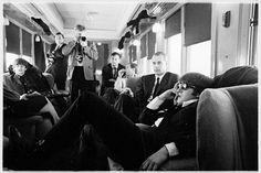 """É fã da música britânica? Está em cartaz o documentário """"The Beatles: Eight Days a Week - The Touring Years"""". Um relato profundo da carreira da banda durante os anos de 1962 e 1966 desde suas apresentações no Cavern Club até o último show num terraço em São Francisco. Cenas inéditas entrevistas e imagens de arquivo da turnê que passou por mais de 90 cidades ao redor do mundo. #beatles  via MARIE CLAIRE BRASIL MAGAZINE OFFICIAL INSTAGRAM - Celebrity  Fashion  Haute Couture  Advertising…"""