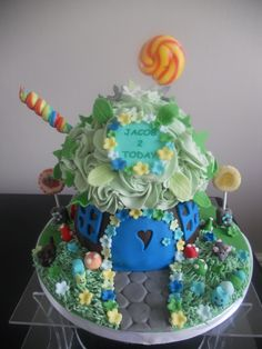 Large Cupcake Pan, Big Cupcake, Giant Cupcake Cakes, Cupcake Ideas, Cupcake Cookies, Birthday Cake Girls, Birthday Cakes, Birthday Bunting, 4th Birthday