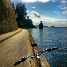 Cruisin' for a cache! Stanley Park in Vancouver, #Canada is home to over 40 geocaches and most geocache types. For powering through them all, we recommend #geocaching by bike.