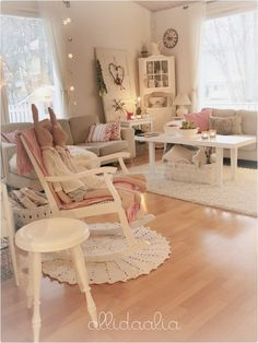 Decor VillaHovi home. Discussion on LiveInternet - Russian Service Online Diaries Cottage Shabby Chic, Shabby Chic Decor, Shabby Chic Romantique, Decoration Shabby, Shaby Chic, Rocking Chair, Pastel, Living Room, Interior Design