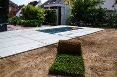 @wat Meersalzwasser-Tauchbecken / Minipool | homify Mini Pool, Sidewalk, Outdoor Decor, Home Decor, Patio, Plunge Pool, Diving, Backyard Landscaping, Water