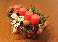 Adventní v proutěném košíku Buxus, Table Decorations, Food, Home Decor, Decoration Home, Room Decor, Essen, Meals, Home Interior Design