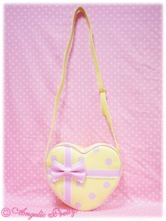 Tokimeki Dot Heart Shoulder Bag Also available in red. Kawaii Bags, Kawaii Clothes, Kawaii Fashion, Pastel Fashion, Body Chain Harness, Origami Bag, Japanese Bag, Kawaii Accessories, Angelic Pretty