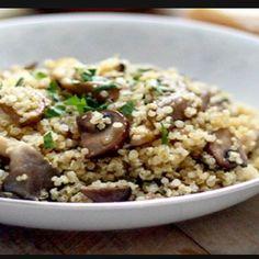 """""""Quinotto – Risotto de hongos de pino y champiñones Ingredientes: . * 2 tazas de Quinoa * 1 cebolla * 1 diente de ajo * 5/6 champiñones en…"""""""
