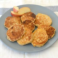 These Thermomix Apple and Cinnamon Pikelets make a great easy breakfast, lunchbox and after school snack! My boys LOVE making (and eating!) pikelets, and these Apple and Cinnamon Pikelets have quickly become one of our Healthy Snack Options, Healthy Snacks, Healthy Recipes, Healthy Eating, Thermomix Bread, Thermomix Pancakes, Tea Snacks, Cooked Apples, School Snacks