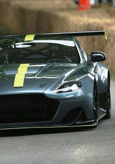 (°!°) Aston Martin Vantage GT8