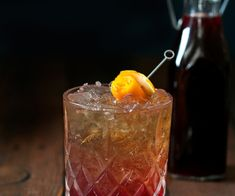 Lightly sweet with a balanced sour, this whisky sour with spiced red wine syrup combines the smoothness of bourbon with a spicy blend of mulled red wine. Whole Beef Tenderloin, Beef Tenderloin Recipes, Roasted Okra, Summer Side Dishes, Vegetable Recipes, Fall Recipes, Whisky, Red Wine, Food Porn