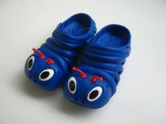 'Funny Beatle Shoes for Kids / Size 29' is going up for auction at  8pm Sat, Sep 22 with a starting bid of $5.