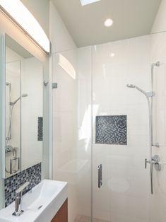 1000 images about for the home bathroom toilet on pinterest toilets concrete bathroom - Kleine badkamer m ...
