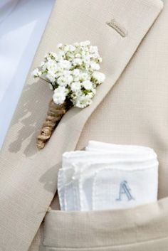 Wedding Flowers Baby Breath Boutonniere - Baby's breath is no longer the sad accessory to cheap bouquets of roses. Now baby's breath has been born again as a chic and sophisticated bloom that looks great by itself or mixed with other flowers. Babys Breath Boutonniere, Boutonnieres, Groomsmen Boutonniere, Burlap Boutonniere, Handmade Wedding, Rustic Wedding, Wedding Ideas With Burlap, Table Wedding, Dream Wedding