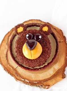 How to Make a Simple Bear Cake with a How To Video   The Bearfoot Baker #bearfootbaker #edibleart #cakes #howtocakes #delicouscakes #anyoccasioncakes #easycakerecipes #beautifulcakes#bearcake #cutecakes