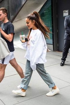 Ariana Grande - Leaves Her Apartment in New York City Ariana Grande Style, Outfits and Clothes. Ariana Grande Images, Ariana Grande Photoshoot, Ariana Grande Fotos, Ariana Grande Outfits Casual, Ariana Grande Clothes, Cool Outfits, Casual Outfits, Fashion Outfits, Inspiration Mode