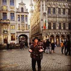 NMU student Kelsey Avey on her study abroad this semester in Brussels Belgium.  #nmuabroad #sharenmu #studyabroad #brussels #isaabroad #generationstudyabroad  #Repost @kelllso  Accidental model status earlier today at Grand Place by nmuabroad