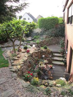 Steinterrasse mit Kellereingang