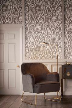 Ben jij op zoek naar mooie meubels voor jouw #woonkamer? Kijk dan eens in ons assortiment #banken en #kasten. Bij Rofra Home vind je een groot aanbod van #hoekbanken, #sofa's, #fauteuils, #wandkasten #salontafels en #tv-meubels. Kies jij voor een #landelijke stijl, #moderne stijl, of een #industriele stijl? Bij Rofra Home kun je terecht voor de mooiste meubels passend bij iedere #woonstijl! Divider, Chair, Room, Furniture, Design, Home Decor, Armchairs, Bedroom, Decoration Home