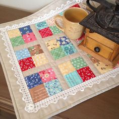 Coffee Time mini quilt featuring Lori Holt's Calico Days fabric collection #iloverileyblake