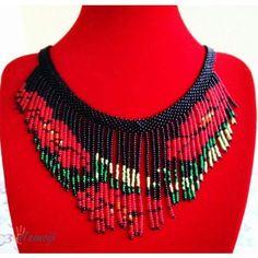 Yaprak Modeli Saçaklı Kolye Boncuk Kolye 60,00 TL Bead Loom Patterns, Beaded Jewelry Patterns, Chainmaille, Loom Beading, Beaded Flowers, Diy And Crafts, Couture, Beads, Pendant