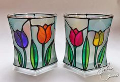 tulipanes falso vitral Stained Glass Paint, Stained Glass Crafts, Stained Glass Designs, Stained Glass Patterns, Glass Bottle Crafts, Bottle Art, Glass Bottles, Glass Painting Patterns, Glass Painting Designs