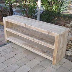 Wandkastje van steigerhout. Rustikal Meubelen is het adres voor maatwerk Meubelen