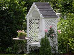Philosophenbank mit Rose Giardina - Wohnen und Garten Foto