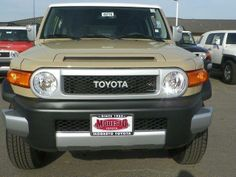 2014 Toyota FJCruiser Base 4x4 4dr SUV 6M SUV 4 Doors Beige for sale in Modesto, CA Source: http://www.usedcarsgroup.com/used-toyota-fj_cruiser-for-sale