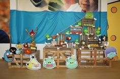 Una mesa de dulces muy original para una fiesta Angry Birds / An original sweet table for an Angry Birds party