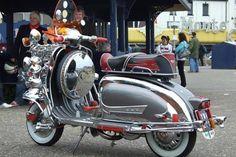 B E A U T I F U L Vespa Motor Scooters, Piaggio Scooter, Vespa Lambretta, Electric Bicycle, Electric Scooter, Triumph Motorcycles, Ducati, Chopper, Mopar