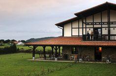 Casa rural Larrakoetxea, Plentzia, Vizcaya, País Vasco.   http://www.toprural.com/Casa-rural-habitaciones/Casa-Rural-Larrakoetxea_24057_f.html
