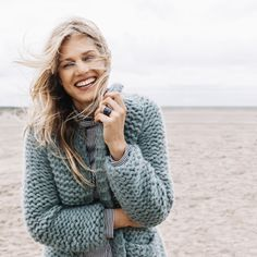 in ribbelst. Crochet Blanket Patterns, Baby Blanket Crochet, Loom Knitting, Crochet Clothes, Knit Cardigan, Knitwear, Knit Crochet, Ibiza, Sewing