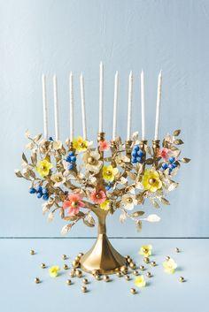 DIY paper flower menorah - The House That Lars Built Home Flowers, Felt Flowers, Paper Flowers, Hanukkah Crafts, Hannukah, Hanukkah Candles, Happy Hanukkah, Leaf Template, Flower Template