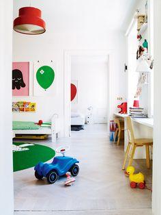 Kinderkamer - bureau tablet