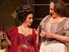 A ideia é acentuar o humor do clássico shakesperiano a partir de um novo ponto de vista. Todos os acontecimentos da obra são reinterpretados: a aparição do fantasma do rei, o banquete de casamento, a loucura de Hamlet, a morte de Ofélia e o desfecho trágico.