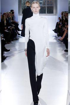 Balenciaga   Minimal + Chic   @CO DE + / F_ORM