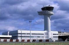 Showing respect to ATC! Airport Control Tower, Pilot Humor, Showing Respect, Aviation Humor, Aviation World, Cheap Air Tickets, Air Traffic Control, Bordeaux France, Last Minute Travel