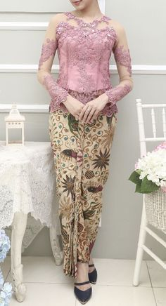 pink javanese Kebaya Modern Hijab, Kebaya Hijab, Kebaya Dress, Batik Kebaya, Batik Dress, Dress Brukat, Hijab Dress Party, Kebaya Pink, Kebaya Jawa