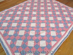 Excellent & Gorgeous! Vintage 30s Feedsack Pink & Blue Floral QUILT Cottage Home