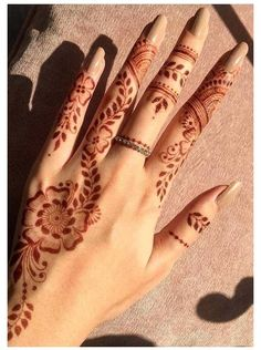 Pretty Henna Designs, Modern Henna Designs, Beginner Henna Designs, Back Hand Mehndi Designs, Bridal Henna Designs, Henna Designs Easy, Best Mehndi Designs, Finger Henna Designs, Indian Henna Designs