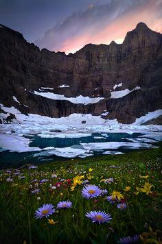 Glacier National Park ,U.S. state of Montana: