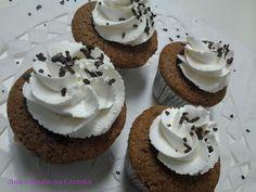 Cupcakes de Chocolate Recheado de Prestigio - Ana Claudia na Cozinha