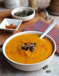 #Recette #Velouté de #Butternut au #curry Butternut Curry, Soup Recipes, Cooking Recipes, Thai Curry, Winter Food, Cheeseburger Chowder, Creme, Healthy, Ethnic Recipes